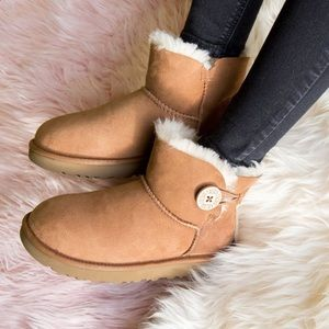 🎄🎁NEW UGG Mini Bailey button Boots